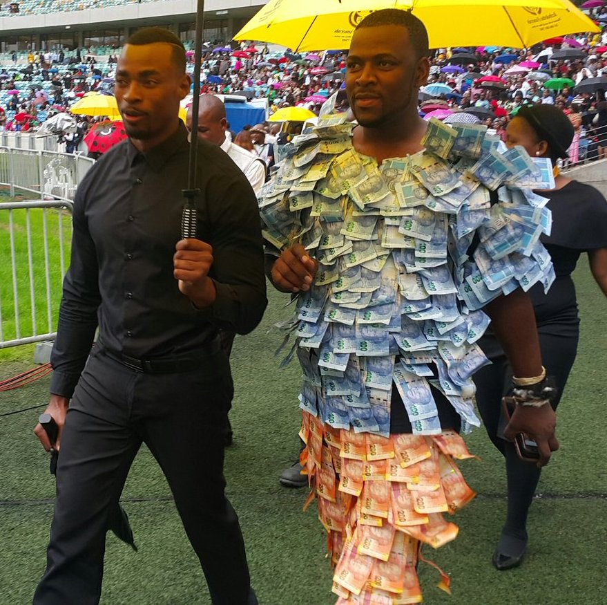 Twitter Reacts To Andile Dlamini's Money Suit At Sfiso's Funeral