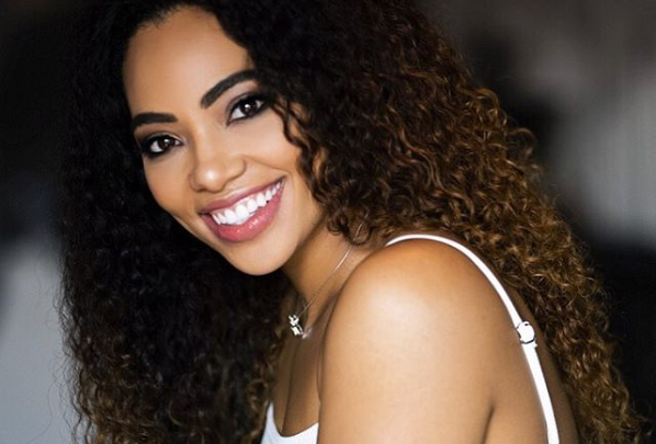 Amanda du-Pont Shows Off Her Huge, Gorgeous Engagement Ring