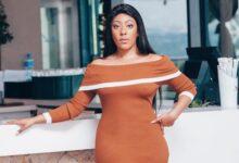 Photo of B*tch Stole My Look! Nandi Madida Vs Mbali Nkosi: Who Wore It Better?