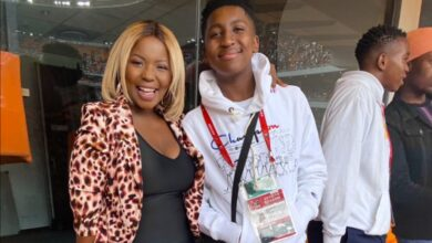 Photo of Pics! Carol Tshabalala Sends Her Son To His Matric Dance In Style